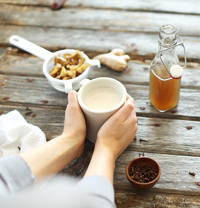 Homemade-Ginger-Tea-Lattes-the-perfect-warm-drink-for-chilly-days-vegan-