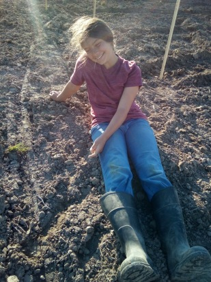 eva hanging out in the dirt